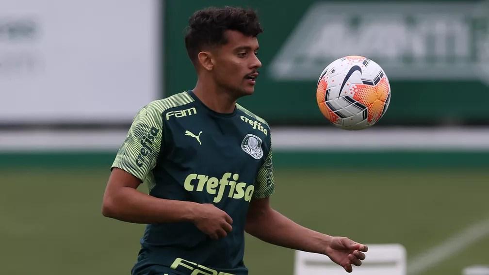 Gustavo Scarpa, meia-atacante do Palmeiras, na Academia — Foto: Cesar Greco / Ag. Palmeiras