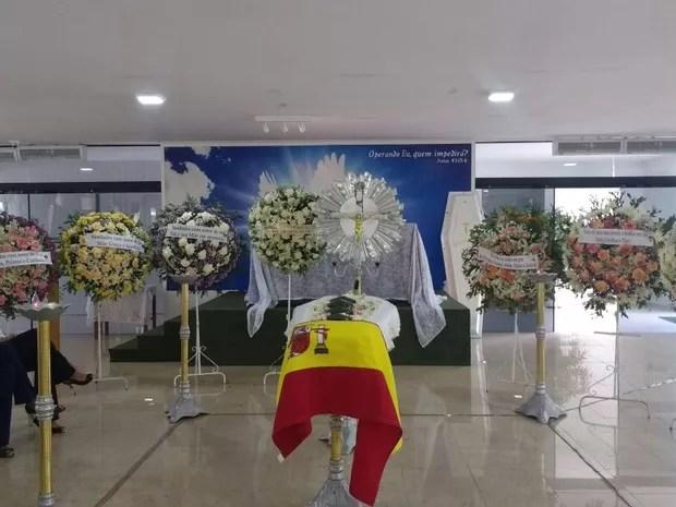 Velório com as cinzas da família morta na Espanha acontece em cemitério de João Pessoa (Foto: Diogo Almeida/G1)