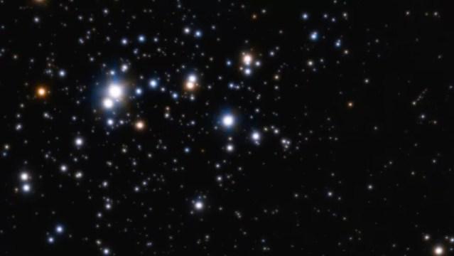 Neste aglomerado de estrelas, pode haver muitas irmãs do Sol, mas é difícil detectá-las — Foto: ESO/H. Sana