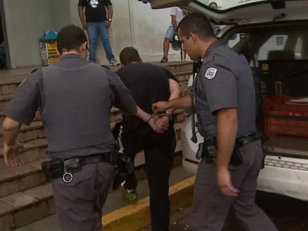 Suspeito acabou detido por desobediência, mas foi liberado (Foto: Reprodução/EPTV)