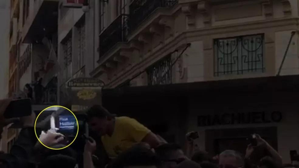 Momento em que Jair Bolsonaro leva facada em Minas (Foto: Reprodução Twitter)