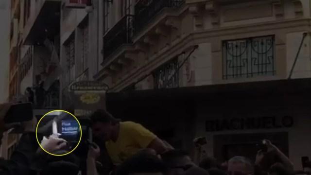 frame - Bolsonaro leva facada durante ato de campanha em Juiz de Fora, diz Polícia Militar de Minas