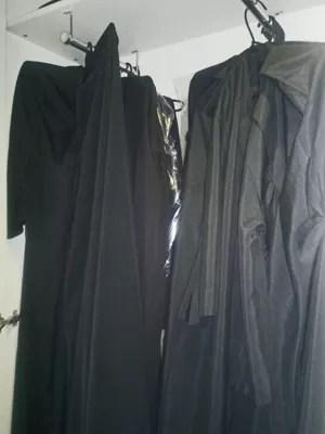 Armário no Supremo com becas disponíveis para advogados (Foto: Rosanne D´Agostino / G1)