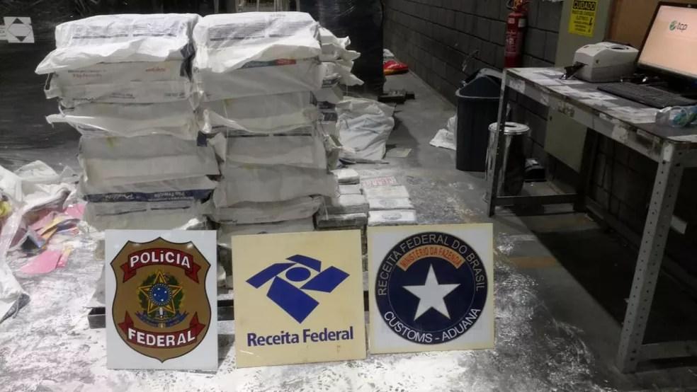 Agentes apreenderam 869 kg de droga no Porto de Paranaguá. — Foto: Divulgação/Receita Federal