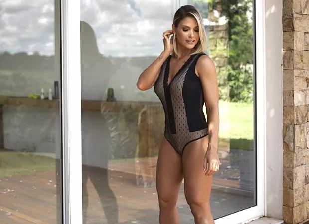 Andressa Suita no making of da campanha de verão da marca de lingerie Recco (Foto: Bernardo Sardi/Divulgação)