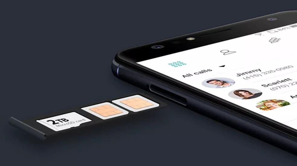 Use cartão de memória pelo menos Classe 10 no celular — Foto: Divulgação/Asus