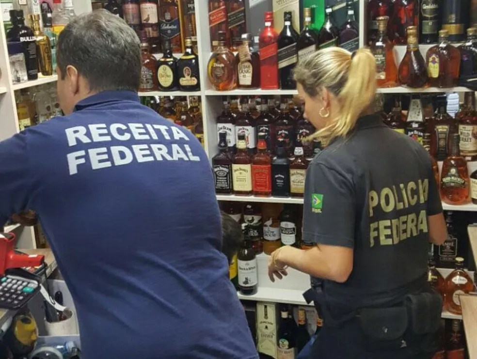 Operação Pit Stop fiscaliza  loja de bebidas de Balneário Camboriú. (Foto: PF/Divulgação)