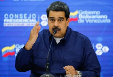 Nicolás Maduro em evento em que anunciou chegada de ajuda humanitária da Rússia, nesta segunda-feira (18) em Caracas — Foto: Venezuelan Presidency / AFP