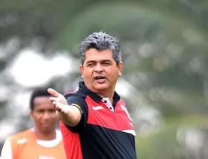 Ney Franco no treino do São Paulo (Foto: Dorival Rosa / Vipcomm)