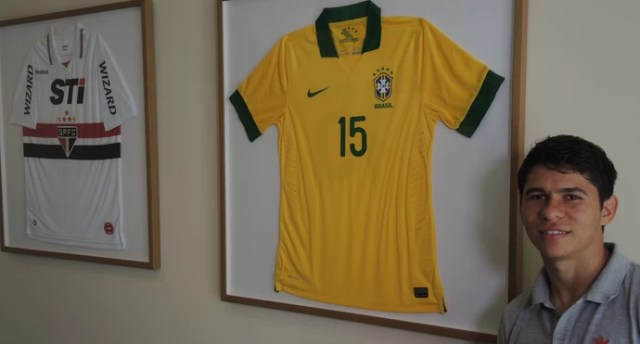 Osvaldo atacante São Paulo (Foto: David Abramvezt)