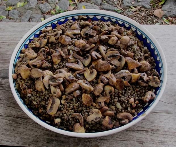 Lentilha com bacon e cogumelos (Foto: Divulgação)