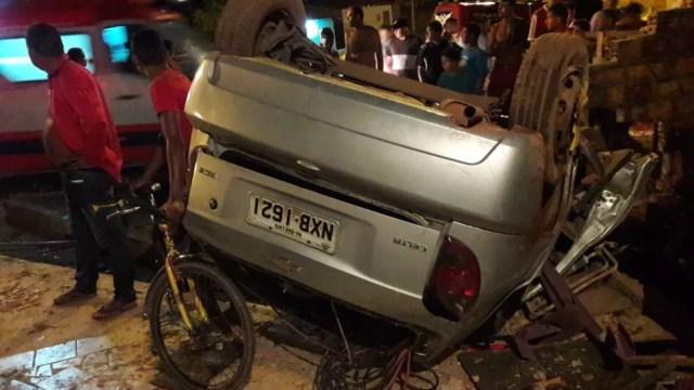 Após o acidente em São Luís, adolescente de 17 anos que capotou carro foi encontrado após fugir — Foto: Divulgação/PRF