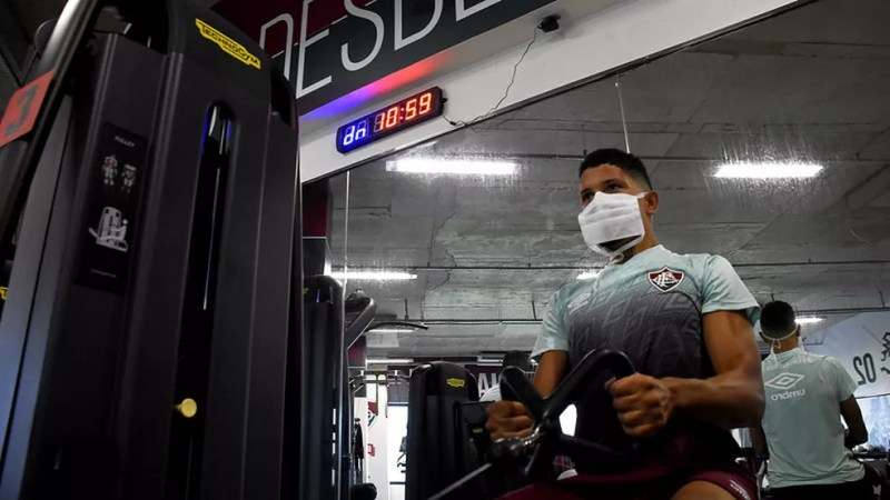 Fora de combate há oito jogos, Yuri é uma das muitas baixas no Flu — Foto: Mailson Santana / Fluminense FC