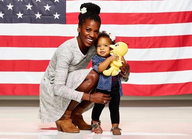 Estudo da Universidade de Washington descobriu relação entre crescimento do cérebro e afeto de mãe. Na foto, a atleta americana Alysia Montano com sua filha, Linnea Dori (Foto: Mitchell Haaseth/NBC/USOC/AP)