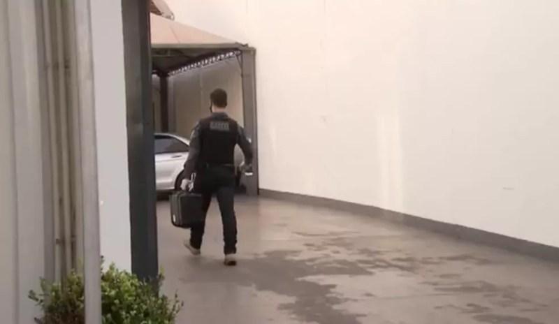 Gaeco cumpre mandado em escritório do deputado Ricardo Barros  — Foto: Reprodução/RPC