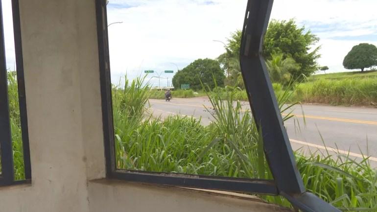 Local possui marcas de abandono e serve atualmente como ponto de uso de drogas, segundo moradores.  — Foto: Reprodução/Rede Amazônica