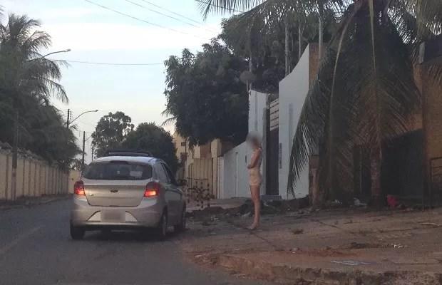 Prostitutas recebem até R$ 30 mil e sustentam a casa, diz estudo da UFG em Goiás (Foto: Sílvio Túlio/G1)