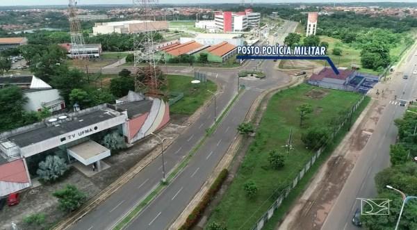 Crime aconteceu ao lado do prédio da TV Universitária, que fica a poucos metros de um posto da Polícia Militar — Foto: Reprodução/TV Mirante