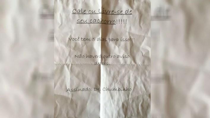 Segundo morador, bilhete foi deixado na garagem de casas em bairro de Sorocaba (Foto: Arquivo pessoal)