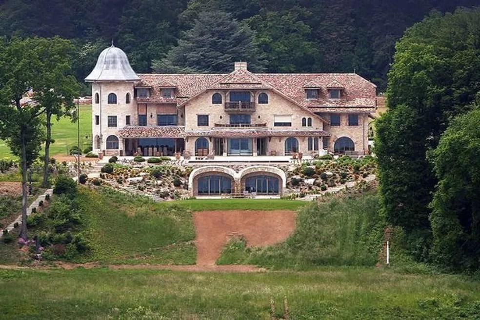 Casa de Michael Schumacher na Suíça estaria à venda — Foto: Reprodução