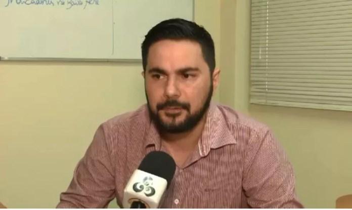 Diretor de Vigilância em Saúde pede apoio da população para que busquem a vacinação em postos (Foto: Reprodução/Rede Amazônica Acre)