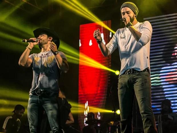 Munhoz e Mariano cantam sucessos na noite deste sábado (9) no Rodeio de Sertãozinho (Foto: Equipe MW Produções/Divulgação)
