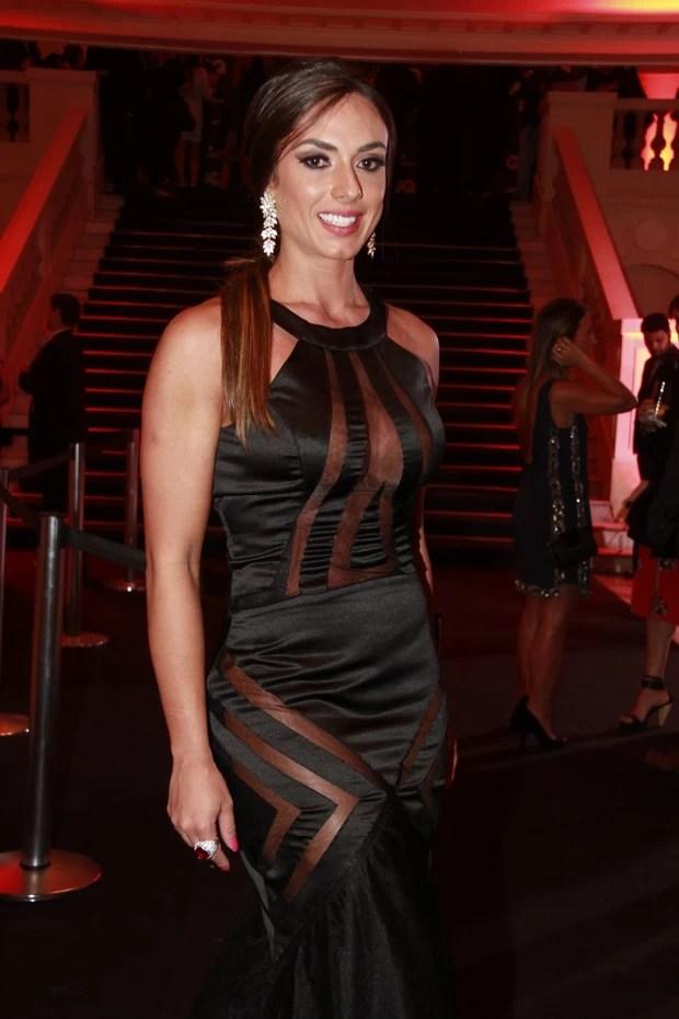 Nicole Bahls em premiação no Rio (Foto: Isac Luz / EGO)