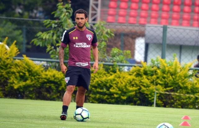 Wellington Nem, em treino do São Paulo (Foto: Rubens Chiri / saopaulofc.net)