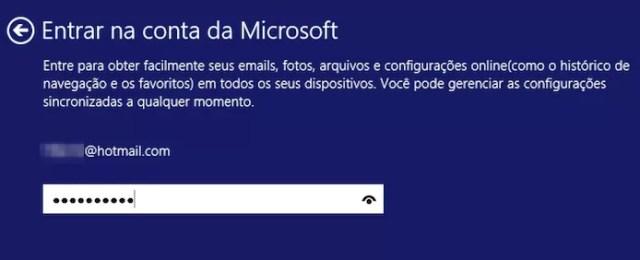 Confirme a senha da sua conta Microsoft para finalizar a instalação (Foto: Reprodução/Helito Bijora)