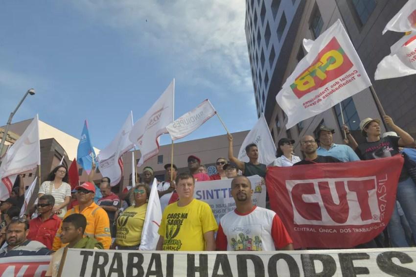 Manifestantes chegam à Ales (Foto: Bernardo Coutinho/ A Gazeta)