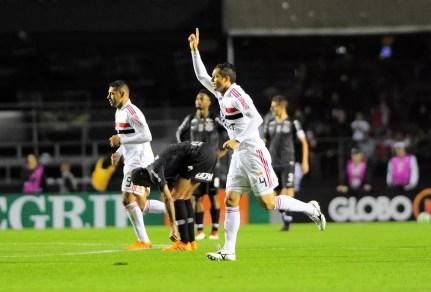 Anderson Martins tem um gol pelo São Paulo: foi na vitória por 3 a 1 sobre o Corinthians — Foto: Marcos Ribolli