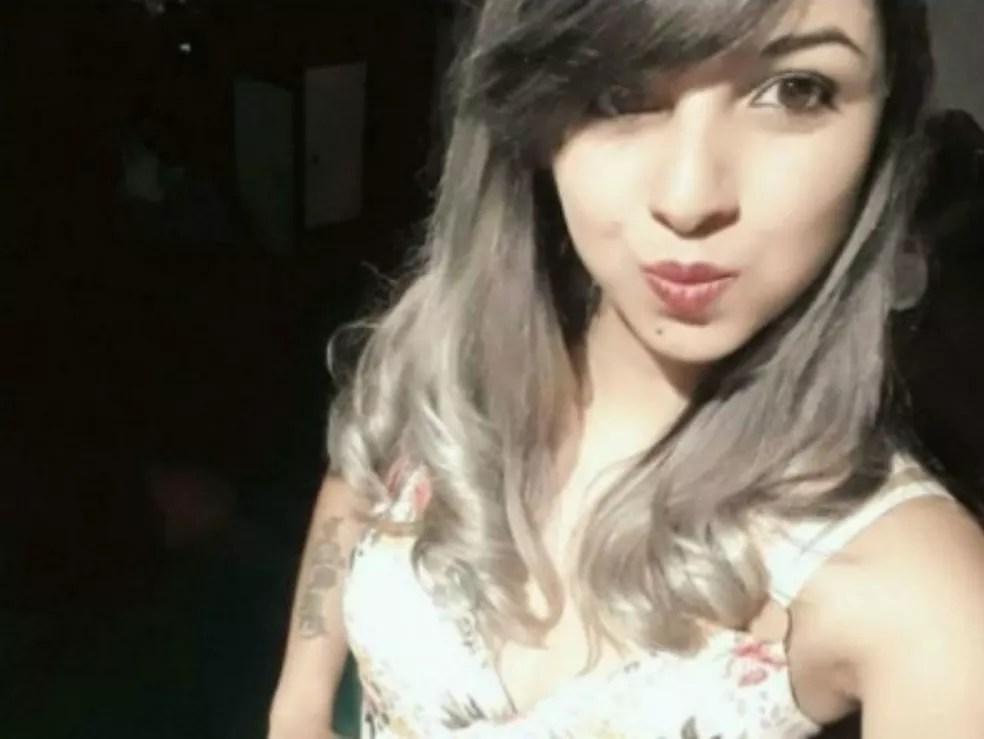 Aline Cosmo da Silva, de 22 anos, foi morta a tiros nesse domingo (12) (Foto: Divulgação)