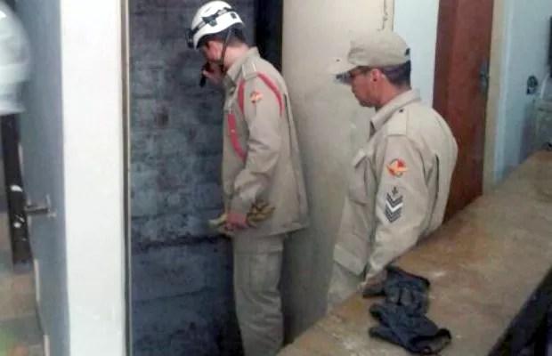 Pintor morre após cair no fosso de elevador de prédio, em Goiânia, Goiás (Foto: Divulgação/Corpo de Bombeiros)