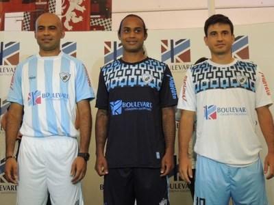 Londrina nova camisa (Foto: Pedro A. Rampazo/Londrina Esporte Clube)