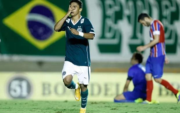 Erik gol goiás x Bahia (Foto: Adalberto Marques / Ag. Estado)