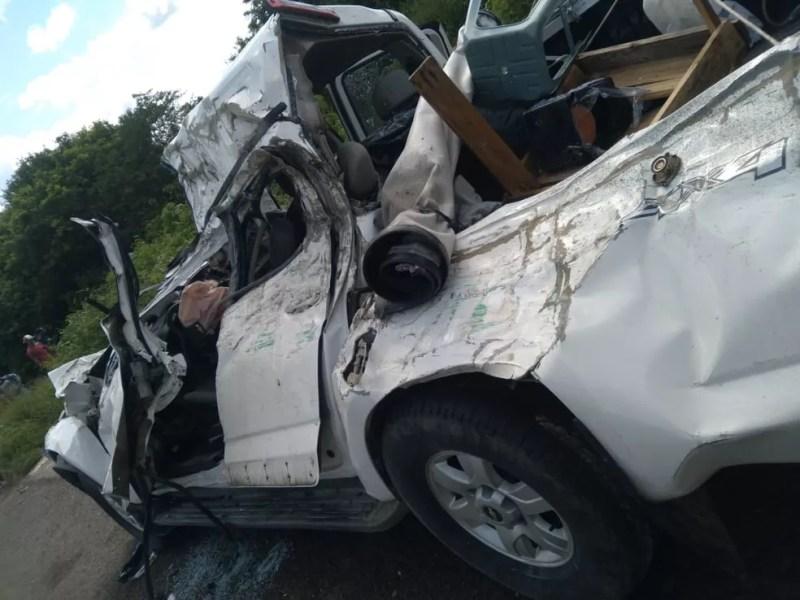 Carro envolvido em acidente na BR-423, em Alagoas — Foto: Ascom/Corpo de Bombeiros de Alagoas