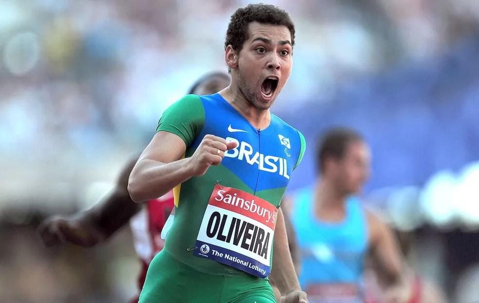 Alan Fonteles comemora conquista do ouro em Londres 2012 — Foto: Getty Images