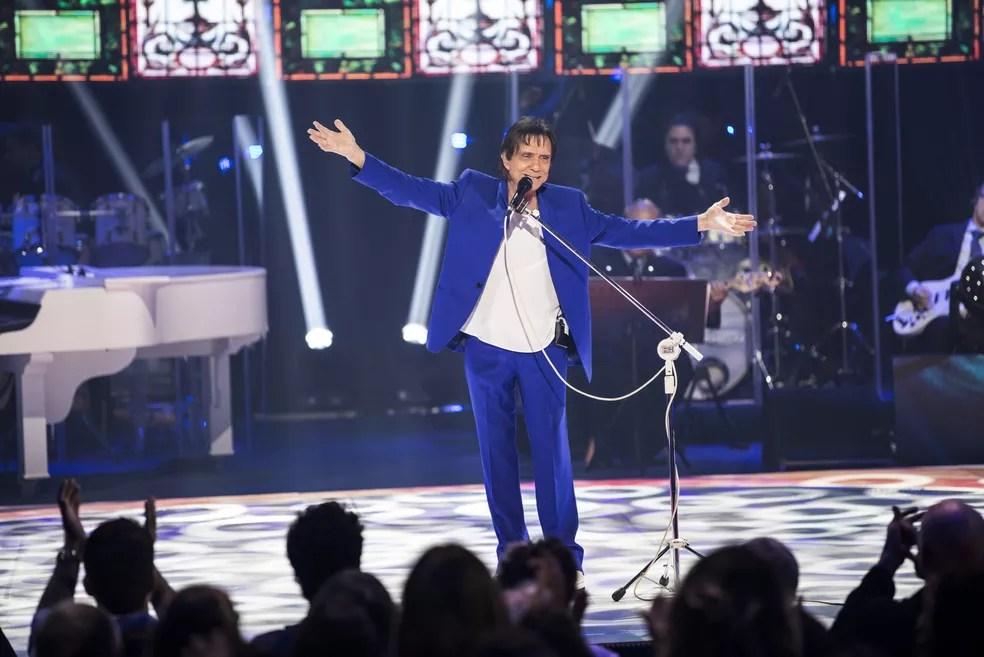 Rei canta seus seus grandes sucessos além de hits do momento no especial Esse Cara Sou Eu: Roberto Carlos (Foto: Globo/ Divulgação)