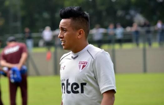 Cueva está convocado pela seleção peruana (Foto: Erico Leonan / site oficial do SPFC)