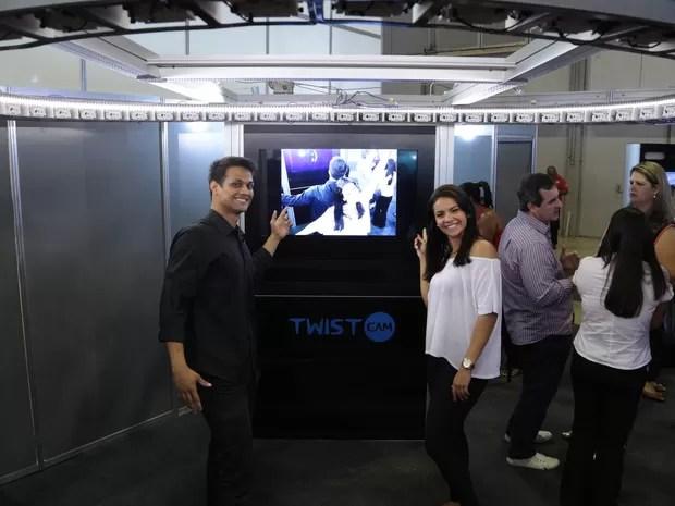 Twistcam fotografa cenas da festa em 360º (Foto: Beny Cazim/Divulgação Novitat)