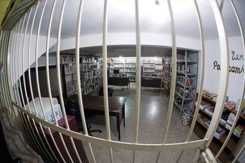 A Biblioteca do présídio.É nela que o ex ministro José Dirceu trabalha para reduzir sua pena (Foto:  Guilherme Pupo/ÉPOCA)