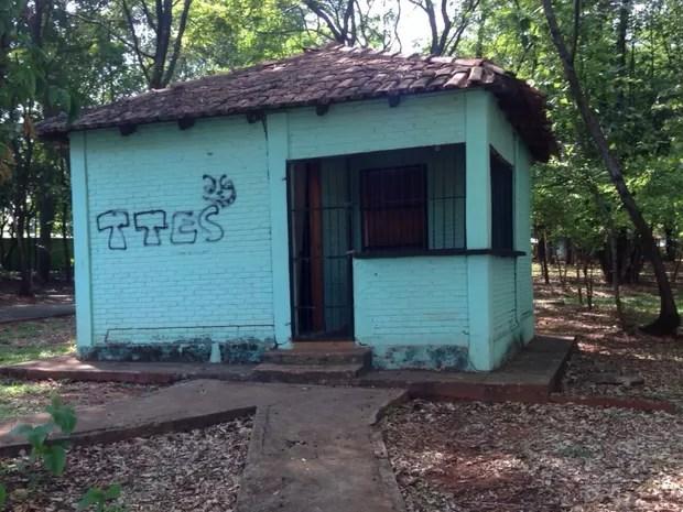 Moradores apontam que guarita está fechada há anos sem guarda Goiânia Goiás (Foto: Arquivo Pessoal/José Martins)