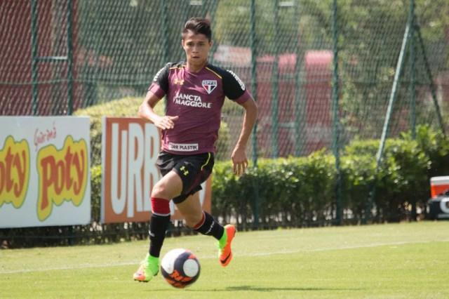 Luiz Araújo não marca gols desde o dia 5 de março (Foto: Igor Amorim/saopaulofc.net)