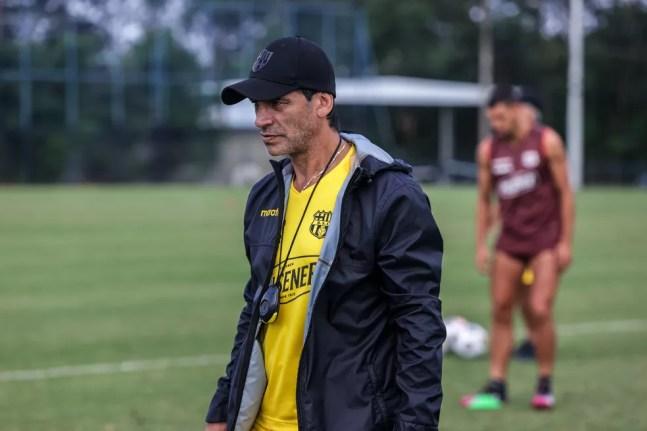 Fabián Bustos, técnico do Barcelona de Guayaquil — Foto: Divulgação / Barcelona SC