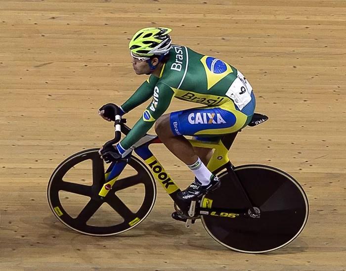 Gideoni Monteiro em ação na pista
