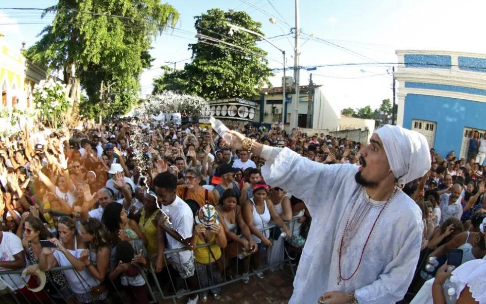 Águas de Oxalá abrem carnaval em Olinda — Foto: Marlon Costa/Pernambuco Press