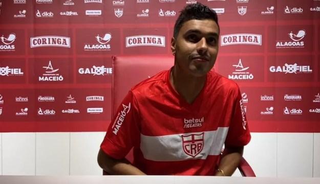 Alisson Farias não pode atuar pelo CRB na Copa do Brasil — Foto: Reprodução/CRB