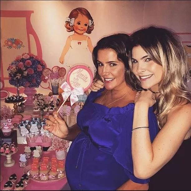 Deborah Secco e Julia Faria em chá de bebê (Foto: Reprodução_Instagram)