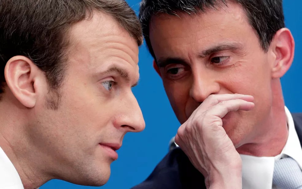 Presidente eleito da França, Emmanuel Macron (esquerda), e o ex-primeiro ministro Manuel Valls em foto de 8 de abril de 2015 (Foto: Reuters/Philippe Wojazer/File Photo)