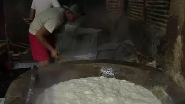 Fábricas de tofu, o queijo de soja bastante popular na culinária asiática, estão enviando resíduos da produção para um processo de reciclagem que gera gás para cozinhar (Foto: BBC)
